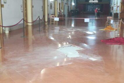 Convitto nazionale. Disancoraggio del pavimento del salone monumentale. Via ai lavori di sostituzione