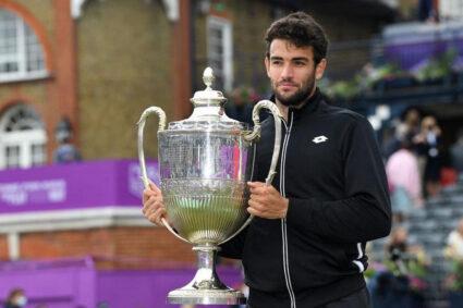 Tennis, Matteo Berrettini è nella storia: primo italiano a vincere al Queen's